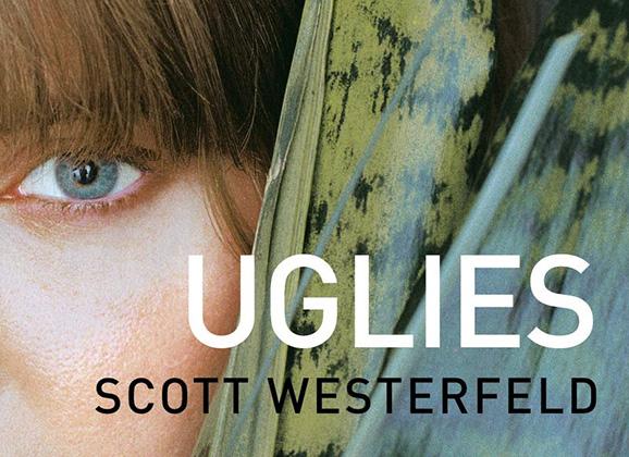 Trilogía Traición (Los Feos) de Scott Westerfeld