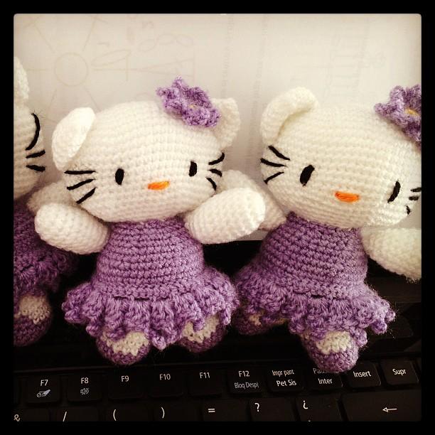 Hello Kittys Bailarinas Lilas - Amigurumi